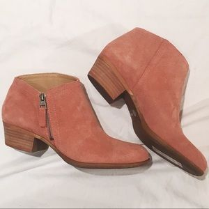 NWT [Lucky Brand] Salmon Pink Suede Booties